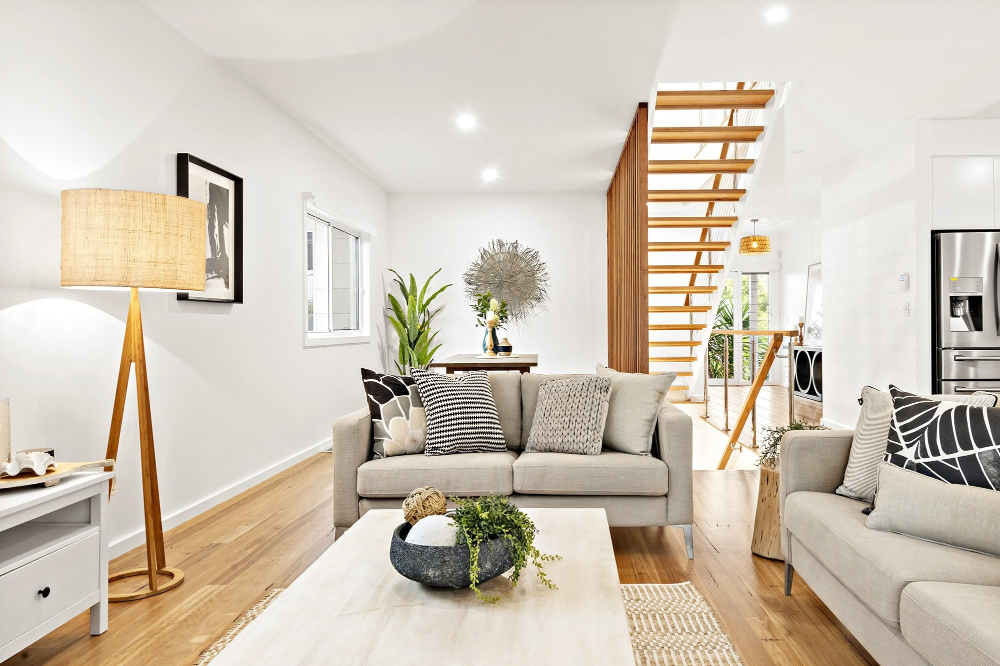 Bligh Street | Caves Beach - https://www.peonyandsilk.com.au/wp-content/uploads/2019/03/4-Living-Room.jpg