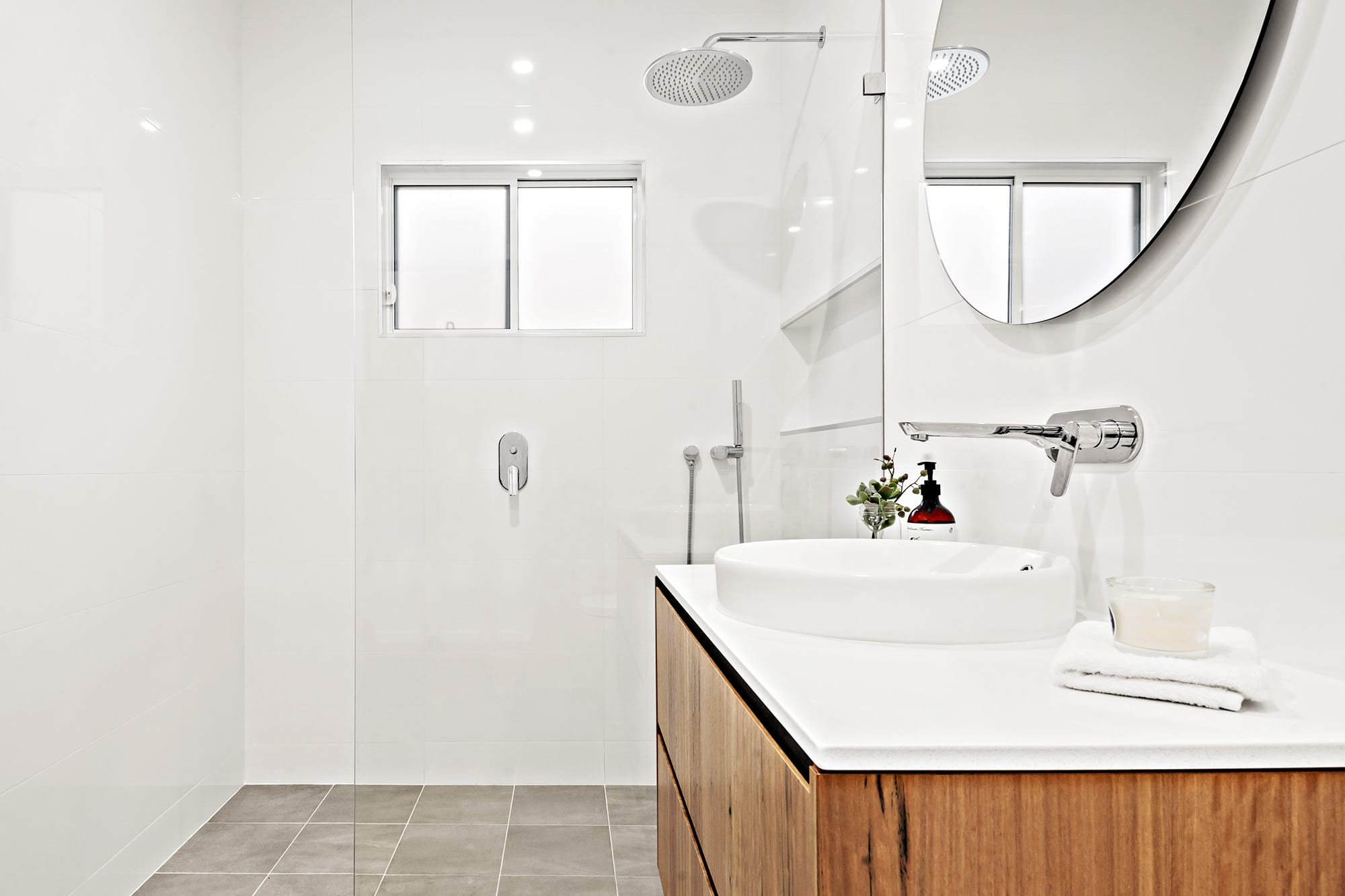 Bligh Street | Caves Beach - https://www.peonyandsilk.com.au/wp-content/uploads/2019/03/6-Bathroom.jpg